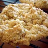 Chewy Oatmeal Cookie