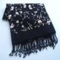 Embroidery shawl Manufacturer