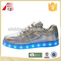 men sneaker men light up led sneaker shoes Manufacturer