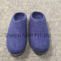 Ecofriendly handmade felt shoes leather sole indoor and outdoor use Manufacturer