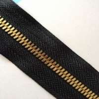 metal zipper for bags, jackets and purse