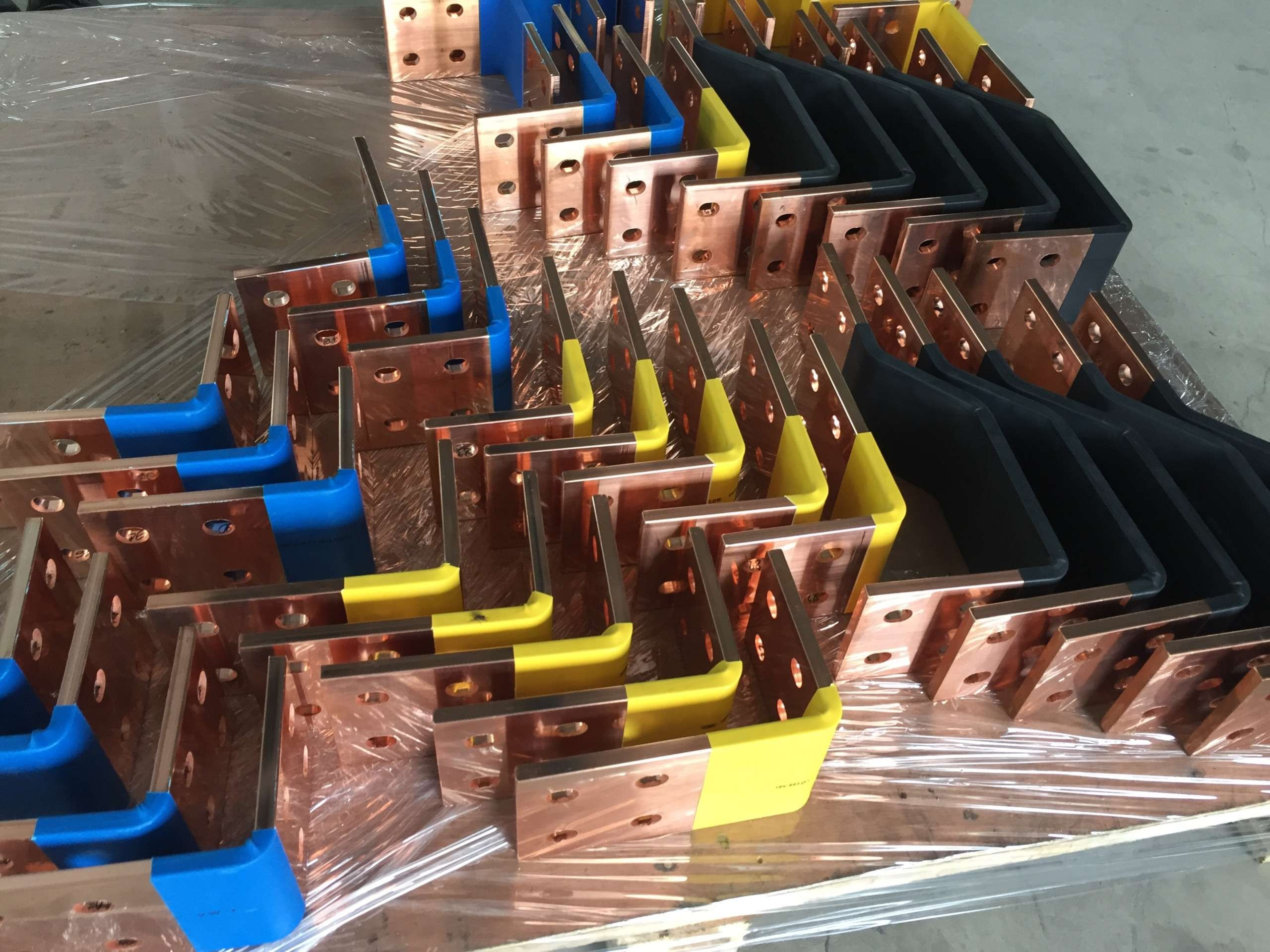 Hight quality copper busbar processing with machine and mould  import from Korea.